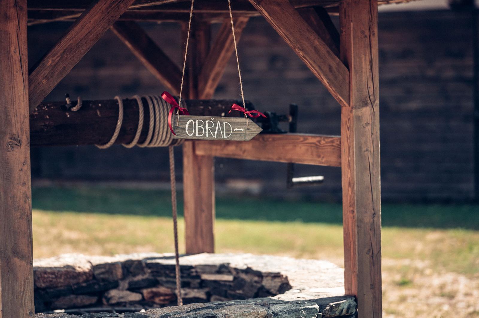 Dřevěné ukazatele na svatbu - Obrázek č. 1