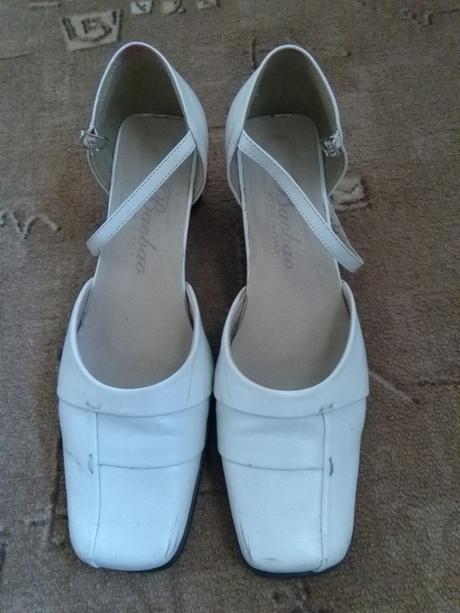 Bílé boty - Obrázek č. 1