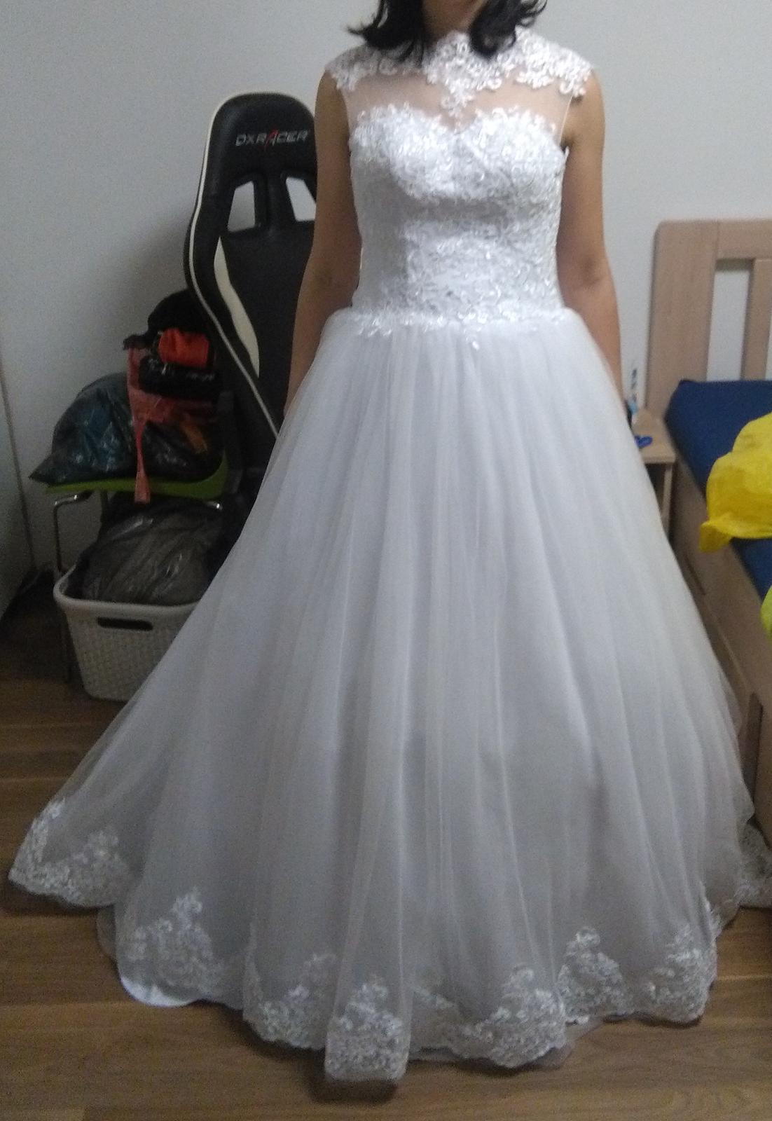 Krásné bílé svatební šaty - Obrázek č. 1