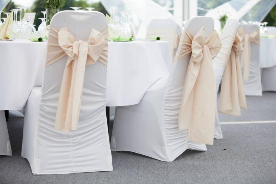Svadobné návleky na stoličky - Obrázok č. 1