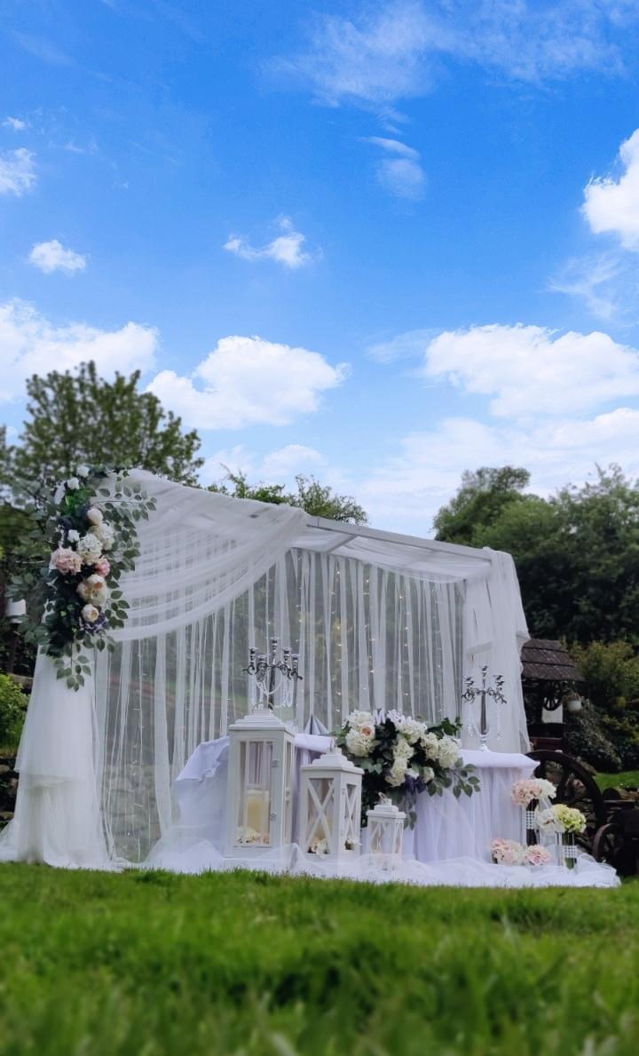 Sukňa na svadobný stôl - Obrázok č. 1