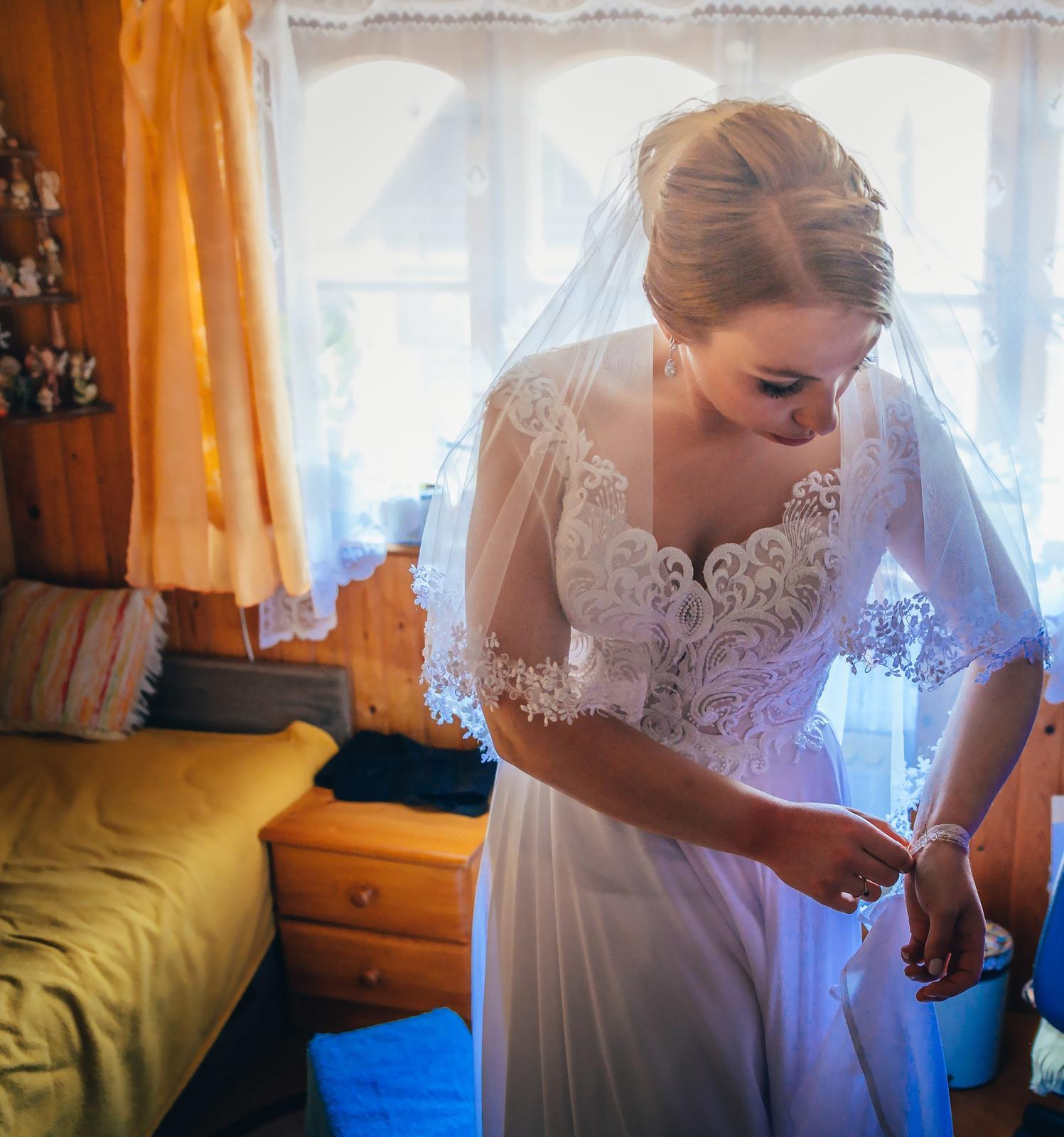 Svadobné šaty zo salónu LUAN - Obrázok č. 1