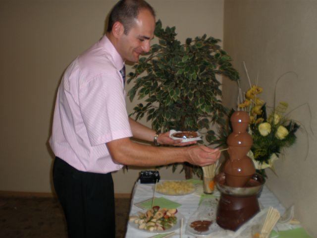 Peťka Halamová{{_AND_}}Ernest Nagy - prekvapenie od sestricky: mali sme aj cokoladovu fontánu-fantázia