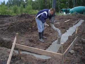 a už betonujeme