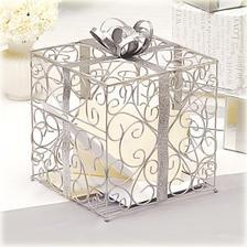 Krabice na prani - uz je doma :-) Ted se jen rozhodnout, jestli je lepsi truhlicka nebo krabice ... poradte!