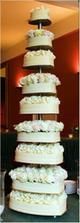 Tak tohle je poradny svatebni dort :-)!