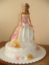 tortička, ktorú robila sestra svojej dcérke k tretím narodeninám