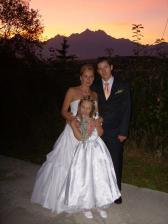 nevesta s dcérkou Veronikou a ženíchom