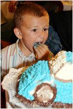 môj synovec...den pred svadbou mal 3 roky, tak sme mu zagratulovali