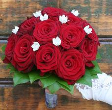 Nádherná, ale růže bych chtěla tmavší...
