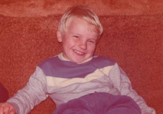 dárek rodičům bude prezentace s fotkama z našeho dětství až po společný život, toto je miláček v pěti letech, jedna z nejkrásnějších fotek :)
