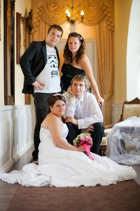 Svadobné foto - Lukáš Ronec - áno, aj svedkovci chceli mať s nami fotku :-)