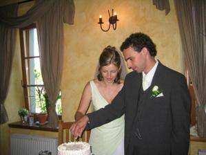 foto od tety - krájení dortu