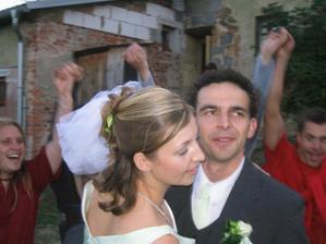 foto od tety - taneček novomanželů již na večerní party