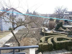 Zahrada s krbíkem-baráček od našich