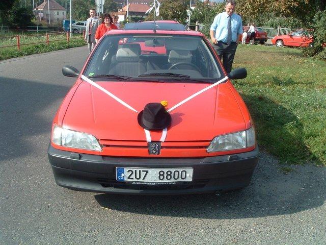 Péťa Nováková{{_AND_}}Honza Souček - auto ženicha