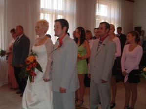 ruku v ruce pomalu vstupujeme do manželského svazku. Co nám asi běží hlavou ...?