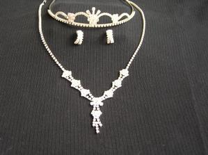 A to jsou moje šperky,které mě budou zdobit:o))