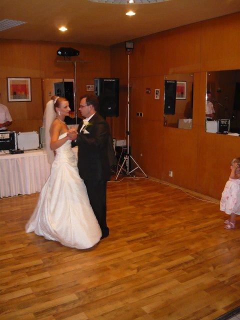 Ľubica{{_AND_}}Štefan - náš prvý manželský tanec