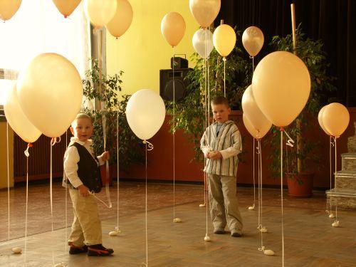"Den ""D"" 2.10.2010 - ...aj balonovu vyzdobu by som chcela nech maju deticky zabavu..."