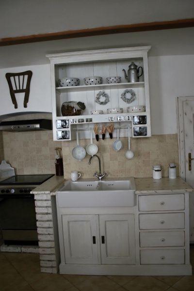 Drevo a biela v kuchyni - Obrázok č. 19