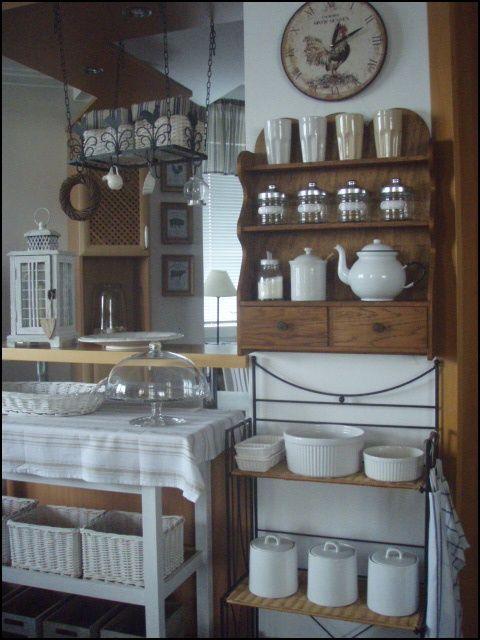Drevo a biela v kuchyni - Obrázok č. 20