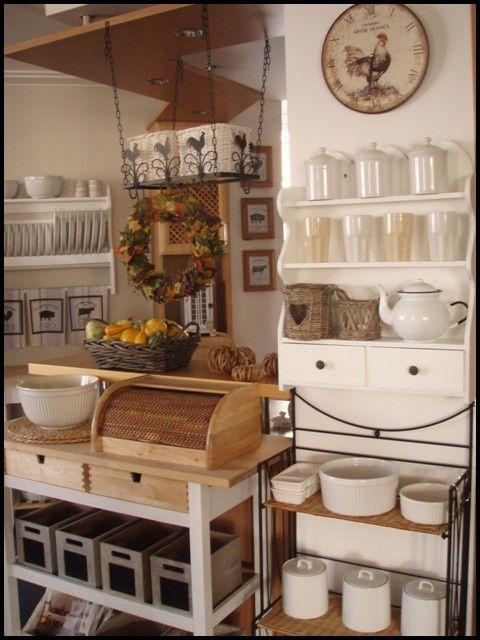 Drevo a biela v kuchyni - Obrázok č. 27