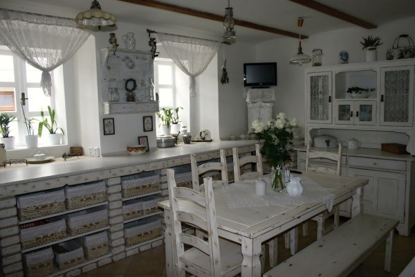 Drevo a biela v kuchyni - Obrázok č. 78