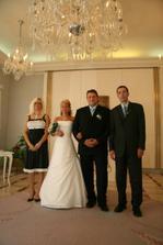 Sestra nevěsty a bratr ženicha..svědkové.