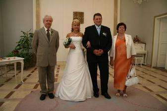 Rodiče nevěsty.