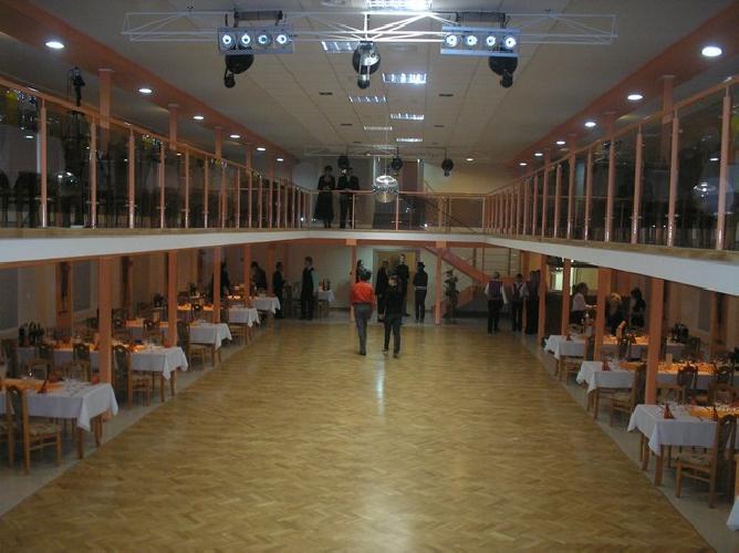 Bude svadba :) M+P - naša sála už zarezervovaná :)