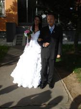 S tatínkem u nás před domem