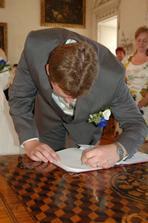 Stvrzeno podpisem