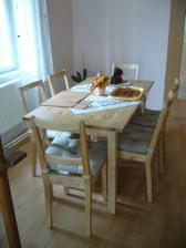 jídelní stůl, alá Ikea