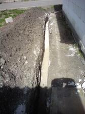 10.4.2012 vykop na plyn- podsyp pieskom