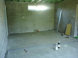 24.6.2012 obývačka nebola už dávno takáto vyprataná