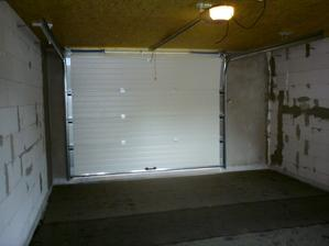 18.7.2012 nalepený dilatačný pás, izolácia odprataná