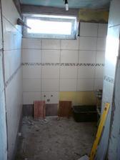 7.8.2012 potiahnutých ďalších pár čiar v kúpeľni