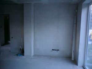 10.8.2012 obývačka- dve steny hotové- v kuchyni dávame hrubšiu omietku, aby sme vyrovnali obklad s povrchom steny