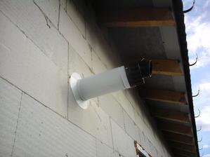 11.8.2012 kondenzačný kotol má už komín