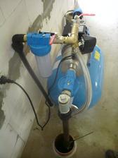 12.8.2012 na napustenie systému poslúžila už napojená vodárnička- funguje naozaj parádne ;)