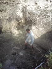 16.8.2012 dočisťujeme- akurát na dne je hladina spodnej vody
