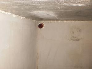 23.8.2012 keď sa obec rozkyvká a urobí kanalizáciu, budeme mať pivničku (ak sa to bude dať dezinfikovať)