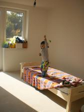 13.10.2012 prvý kus nábytku v dome (ak nerátame ten záhradný)