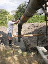 prvy beton- este som stihal fotit- potom prisla makacka...