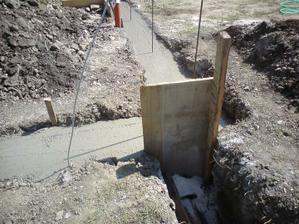 zabetonovane- zabrana vydrzala- vyslo 5m3 betonu B15