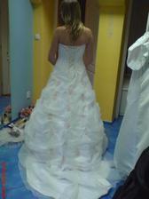 šaty ze zadu