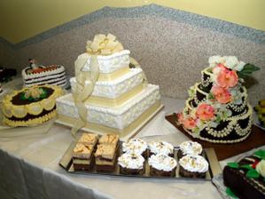 svadobná torta a ostatné darované