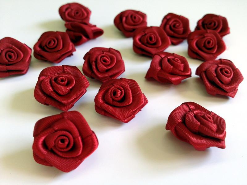 Dekorační saténové růžičky - různé barvy - Obrázek č. 4