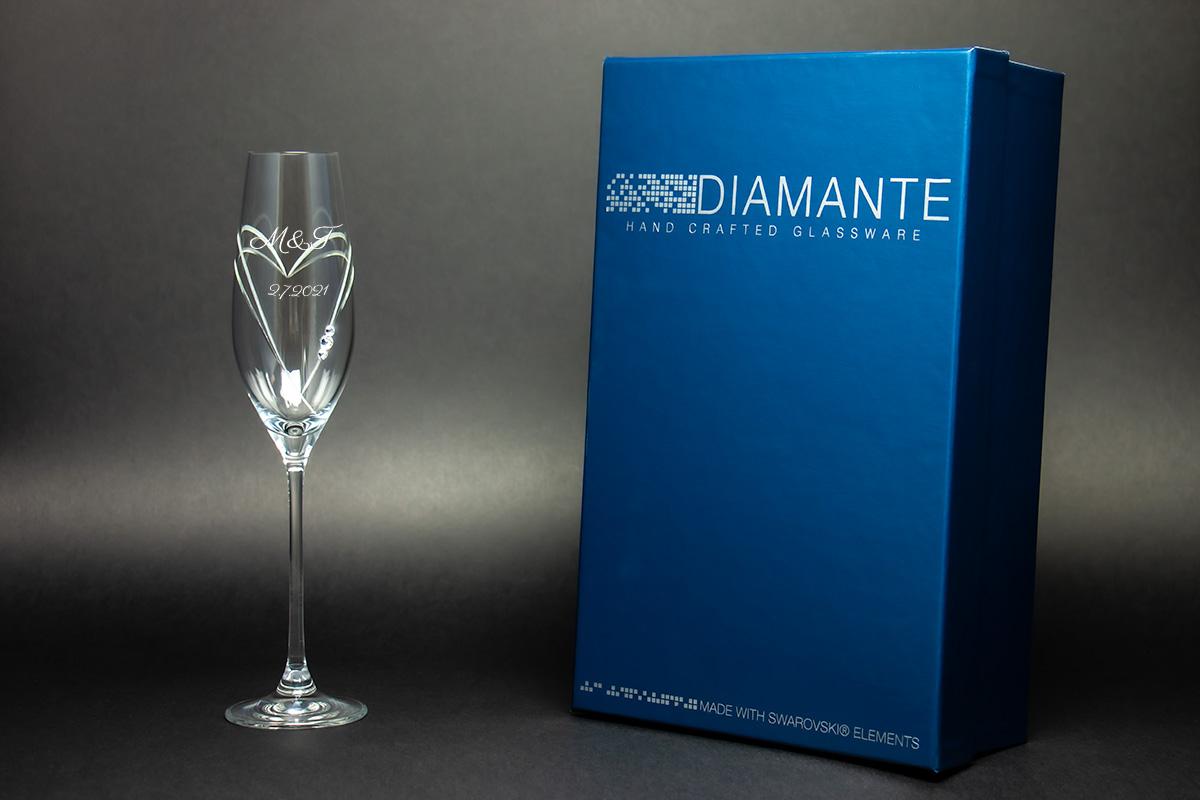 Skleničky na sekt a víno s krystaly Swarovski s gravírováním - Obrázek č. 1